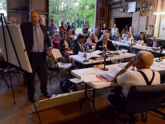 Public gathers to hear Mills House appeal