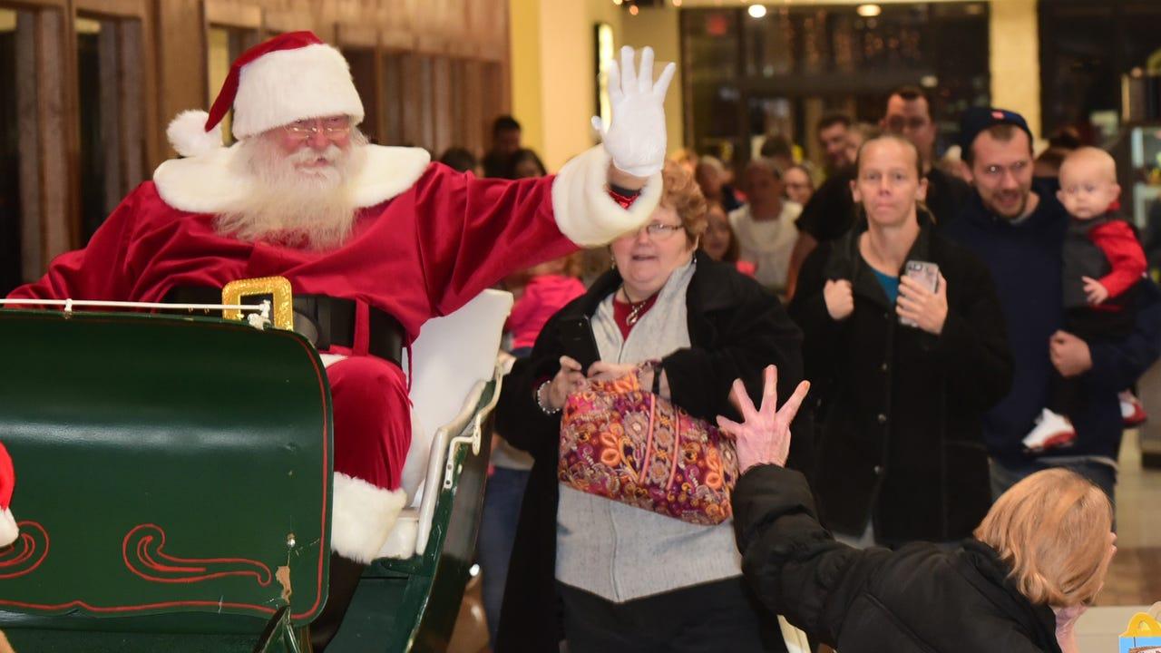 Santa arrived Friday evening to kickoff the holiday shopping season at Chambersrburg Mall.
