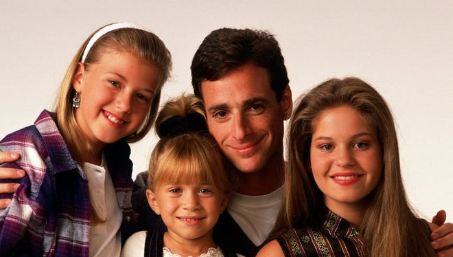 """Jodie Sweetin, Bob Saget, Ashley Olsen and Candace Cameron from """"Full House."""""""