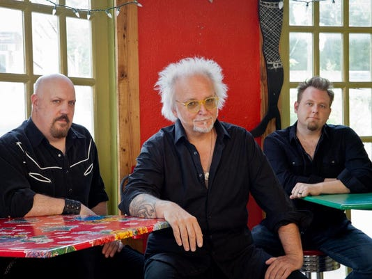 ReevesGabrels&HisImaginaryFriends PhotoCreditStacieHuckeba2014