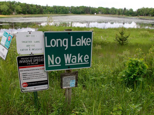 -FON 072213 Long-Lake-no-wake-sign.jpg_20130722.jpg