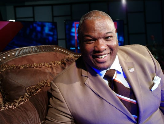 636085209564017780-Pastor-Mark-Burns.jpg