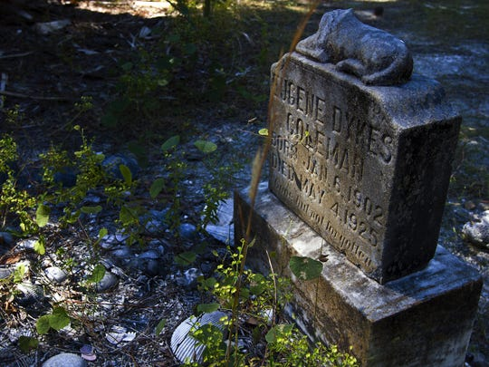 The small cemetery near the north end of Cayo Costa is a popular stop for day hikers.