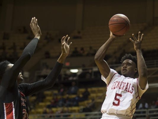 Boy's Basketball: Lee vs. Central 11