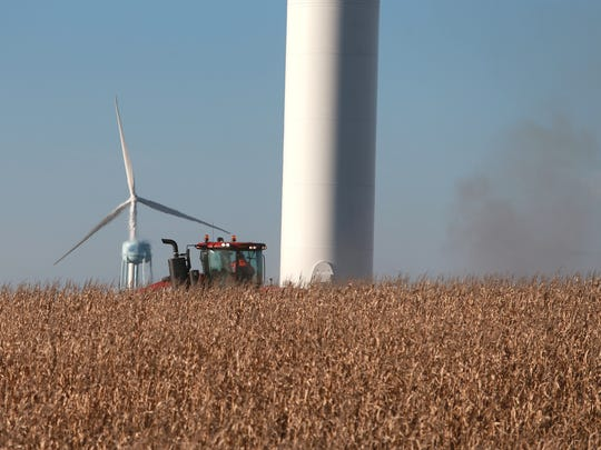 MidAmerican: Proposed turbine setbacks would 'wipe out' wind