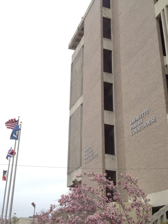 635543623575760263-courthouse-4499