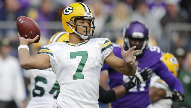 Green Bay Packers quarterback Brett Hundley (7) passes late in the fourth quarter against the Minnesota Vikings during their football game Sunday, October 15, 2017, at U.S. Bank Stadium in Minneapolis, Minn.  Dan Powers/USA TODAY NETWORK-Wisconsin