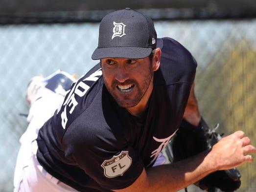 Tigers pitcher Justin Verlander throws during spring
