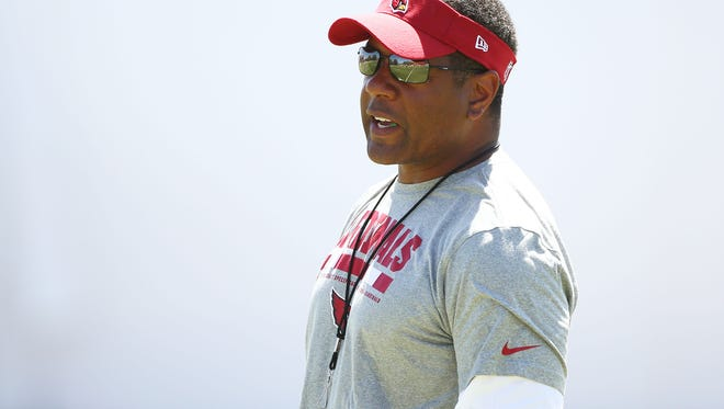 """I did not have the pleasure of knowing Mike but feel as if I did after reading of his dedication to the sport of football,"" Arizona Cardinals coach Steve Wilks wrote in a letter to Mike Thompson's widow."