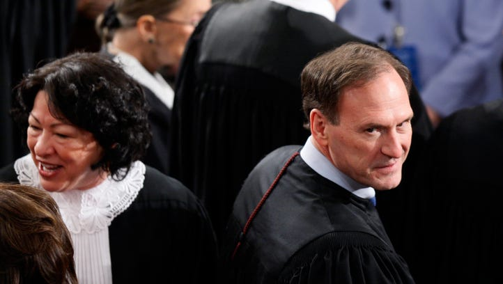 Alito and Justice Sonia Sotomayor are seen before President