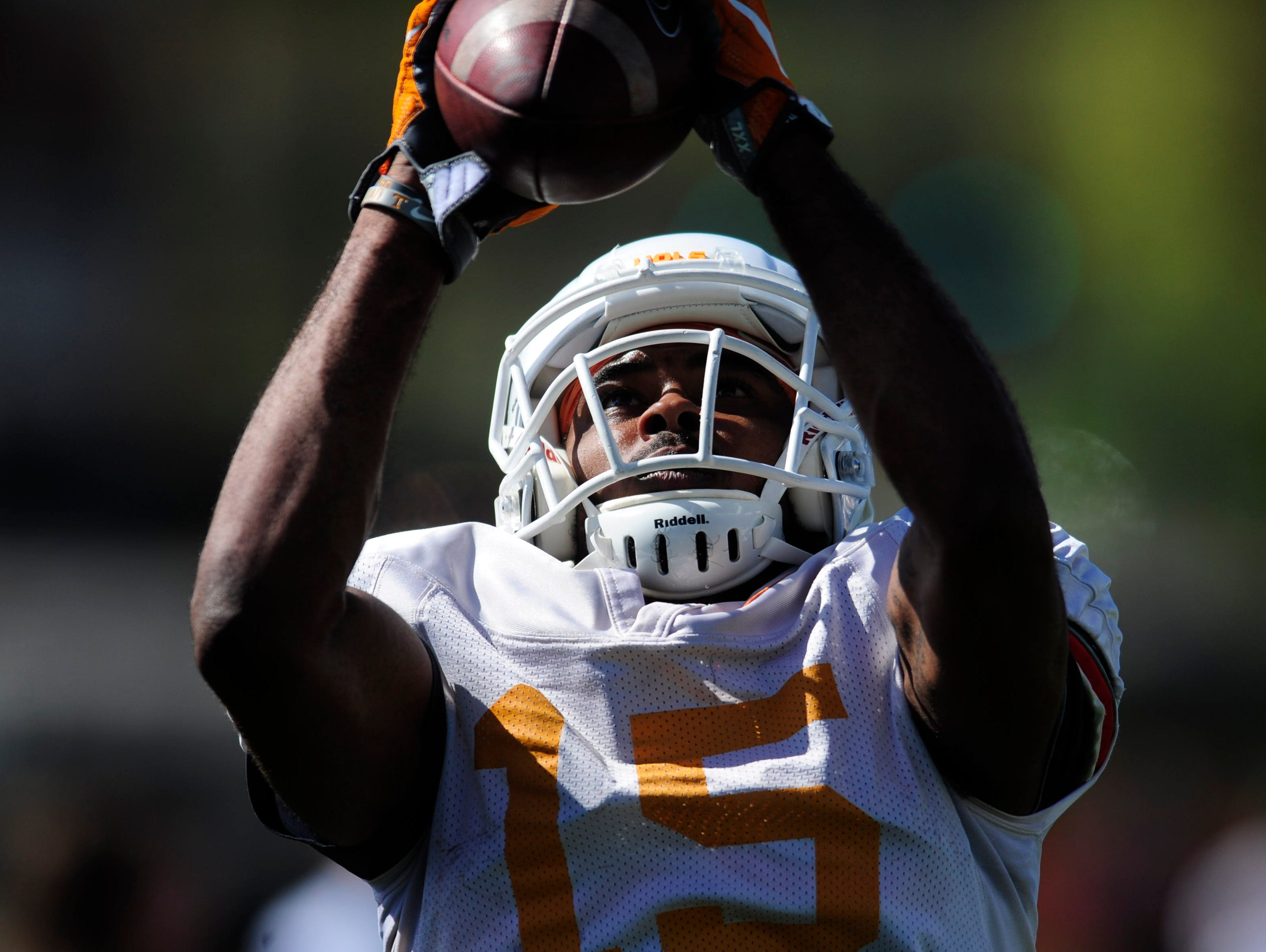 Tennessee's Jauan Jennings (15) catches a ball during Tennessee Volunteers spring practice at Anderson Training Facility in Knoxville, Tennessee on Tuesday, April 4, 2017.