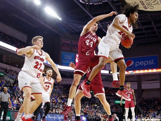 South Dakota vs Denver Summit League Basketball
