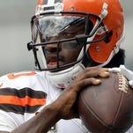 Browns' RG3 breaks bone in shoulder, could miss season