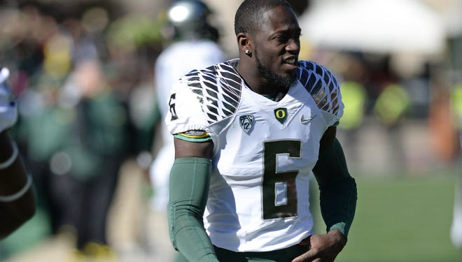 Oregon speedster De'Anthony Thomas is expected to put the helmet back on and be available top face UCLA after missing the last three games.