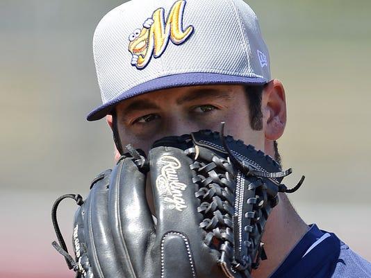 Dylan Floro glove