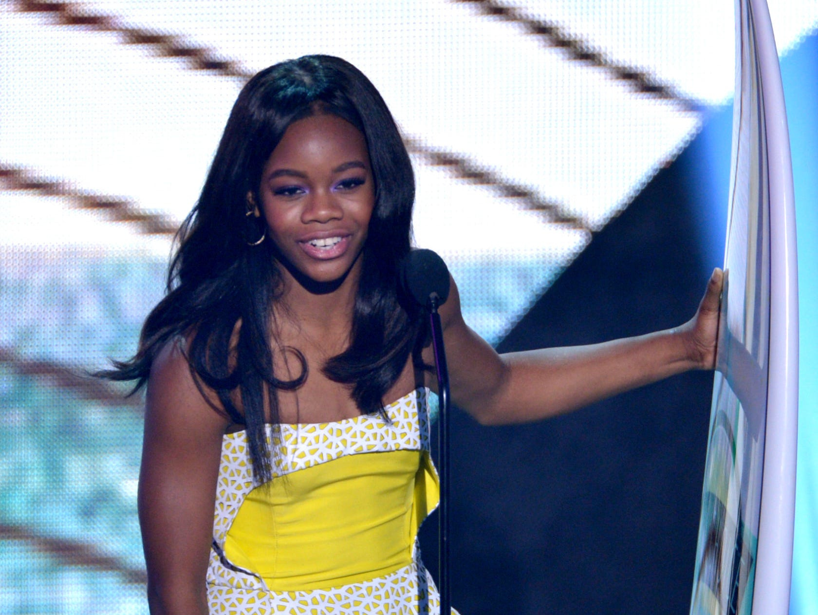Gabby Douglas accepts the Choice Athlete: Female award.