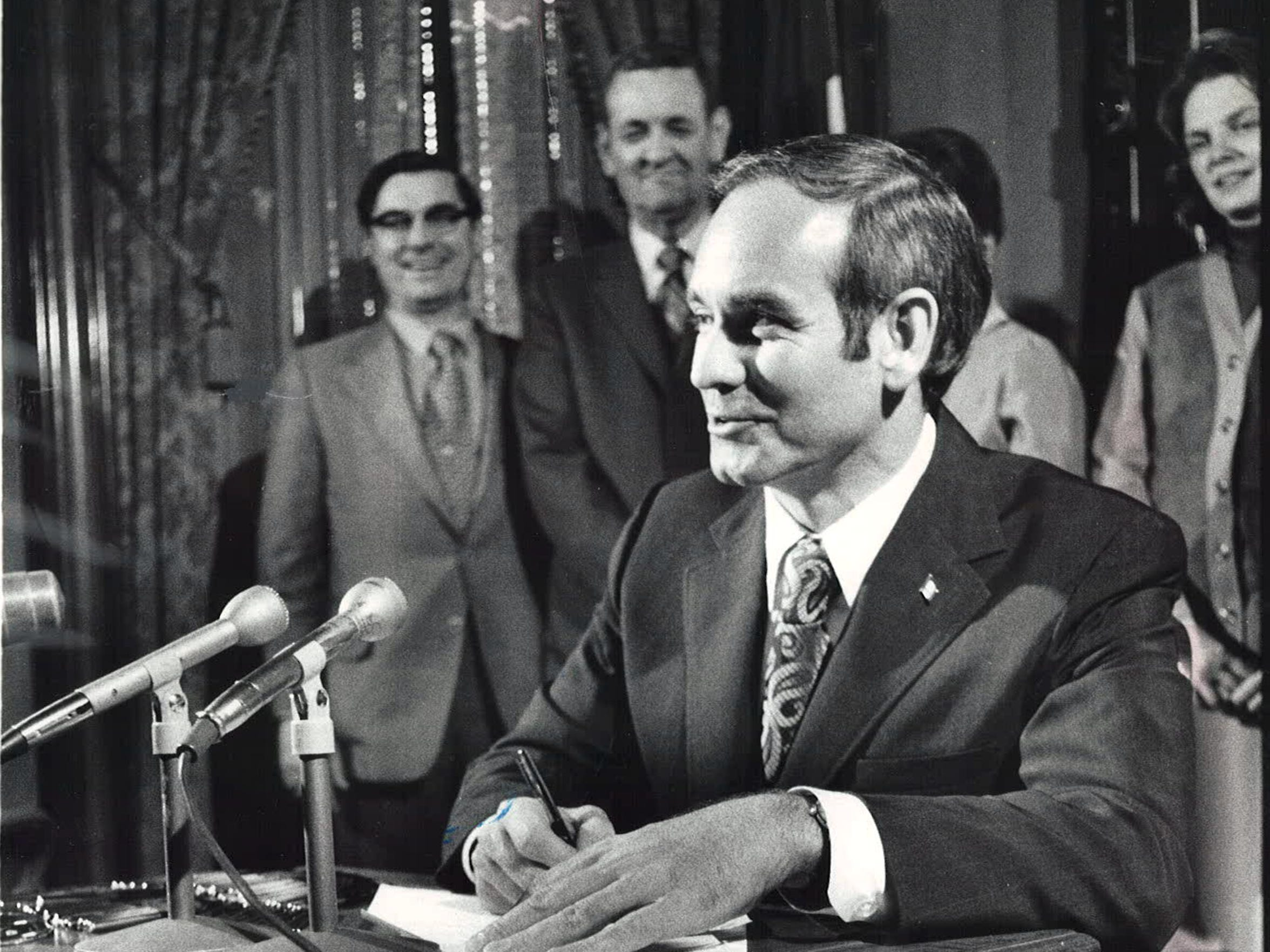 From 1972: Iowa Gov. Robert Ray signs legislation establishing