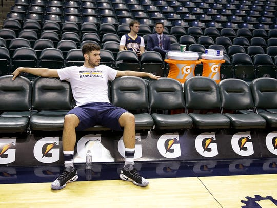 Indiana Pacers forward Georges Niang (32) before their