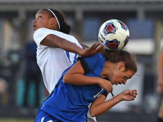 636459441048314068-Girls-soccer-game-3.jpg