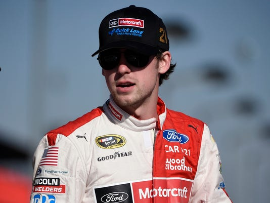 NASCAR: NASCAR: Auto Club 400-Qualifying