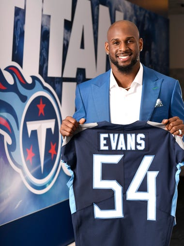 Rashaan Evans, the Titans' 2018 draft pick, poses for