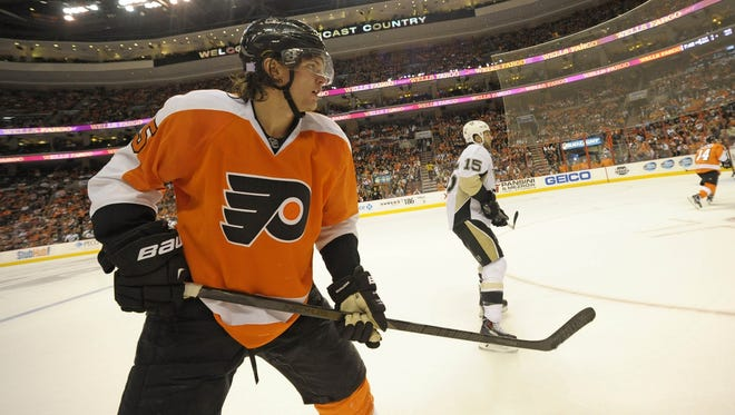 Winger Tye McGinn was among the group of restricted free agents the Flyers sent qualifying offers to.