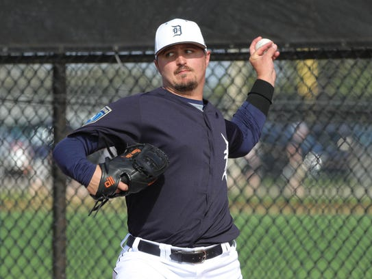 Detroit Tigers pitcher Blaine Hardy throws in the bullpen