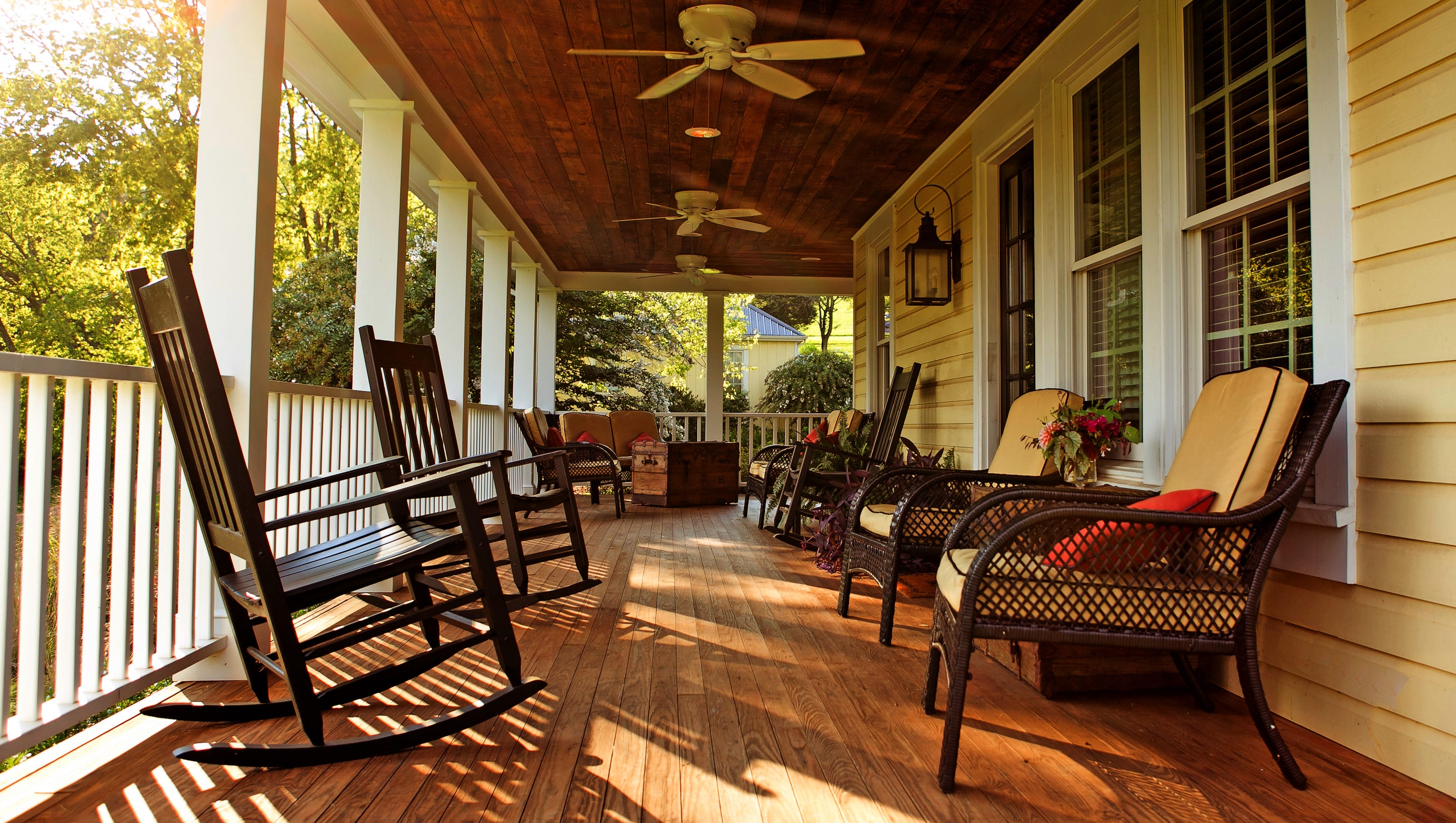 Southern hotels that offer prime porch time for Porches login
