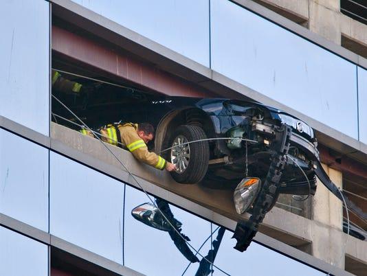 stc 0329 suspended car-rochester 1.jpg