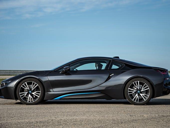 BMW i8, $136,500 to start, began tricklinginto U.S.