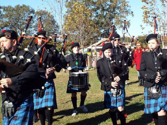 635946964610212606-Northeast-Arkansas-Caledonian-drums-and-pipes.jpg