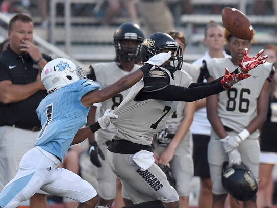 Northwest Rankin's Jarrian Jones (7) catches a pass