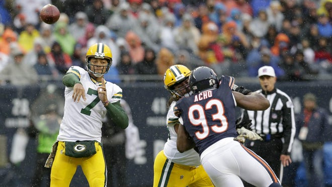Green Bay Packers quarterback Brett Hundley (7) passes during the 1st quarter against the Chicago Bears at Soldier Field in Chicago, Ill. on Sunday, November 12, 2017.
