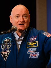 Scott Kelly speaks at the first Desert Town Hall of