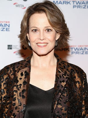WASHINGTON, DC - OCTOBER 23:  Actress Sigourney Weaver arrives to The Kennedy Center Mark Twain Prize Honors Bill Murray event at The Kennedy Center on October 23, 2016 in Washington, DC.  (Photo by Paul Morigi/WireImage) ORG XMIT: 677349005 ORIG FILE ID: 617638122