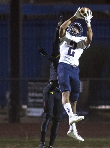 Perry's D'Shayne James catches a touchdown against