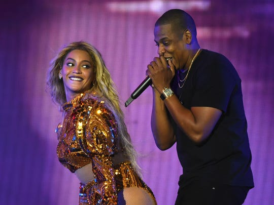 "EAST RUTHERFORD, NJ - OCTOBER 07:  Entertainer Beyonce and Jay Z perform on stage during closing night of ""The Formation World Tour"" at MetLife Stadium on October 7, 2016 in East Rutherford, New Jersey.  (Photo by Larry Busacca/PW/WireImage) ORG XMIT: 673083119 ORIG FILE ID: 613274488"