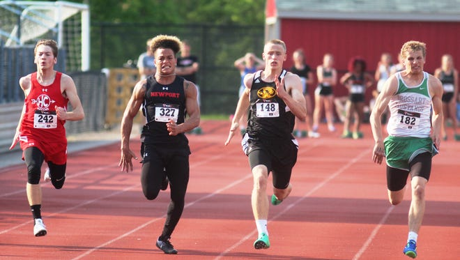 Seth Evers of Bellevue, 148, came from behind to win the 100 during the Class 1A, Region 4 track and field championships May 10, 2017, at Dixie Heights.
