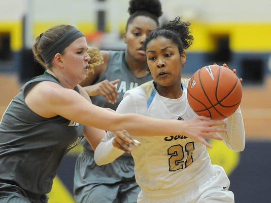 Prep Girls Basketball - Macomb Dakota at Grosse Pointe South