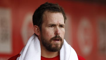 Cincinnati Reds notes: Bryan Price bothered by Sam LeCure's criticism