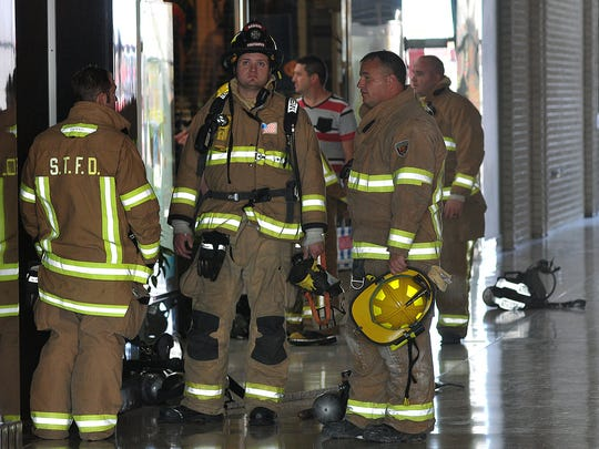 Firefighters responded to a suspicious odor at the Richland Mall on Sunday afternoon.