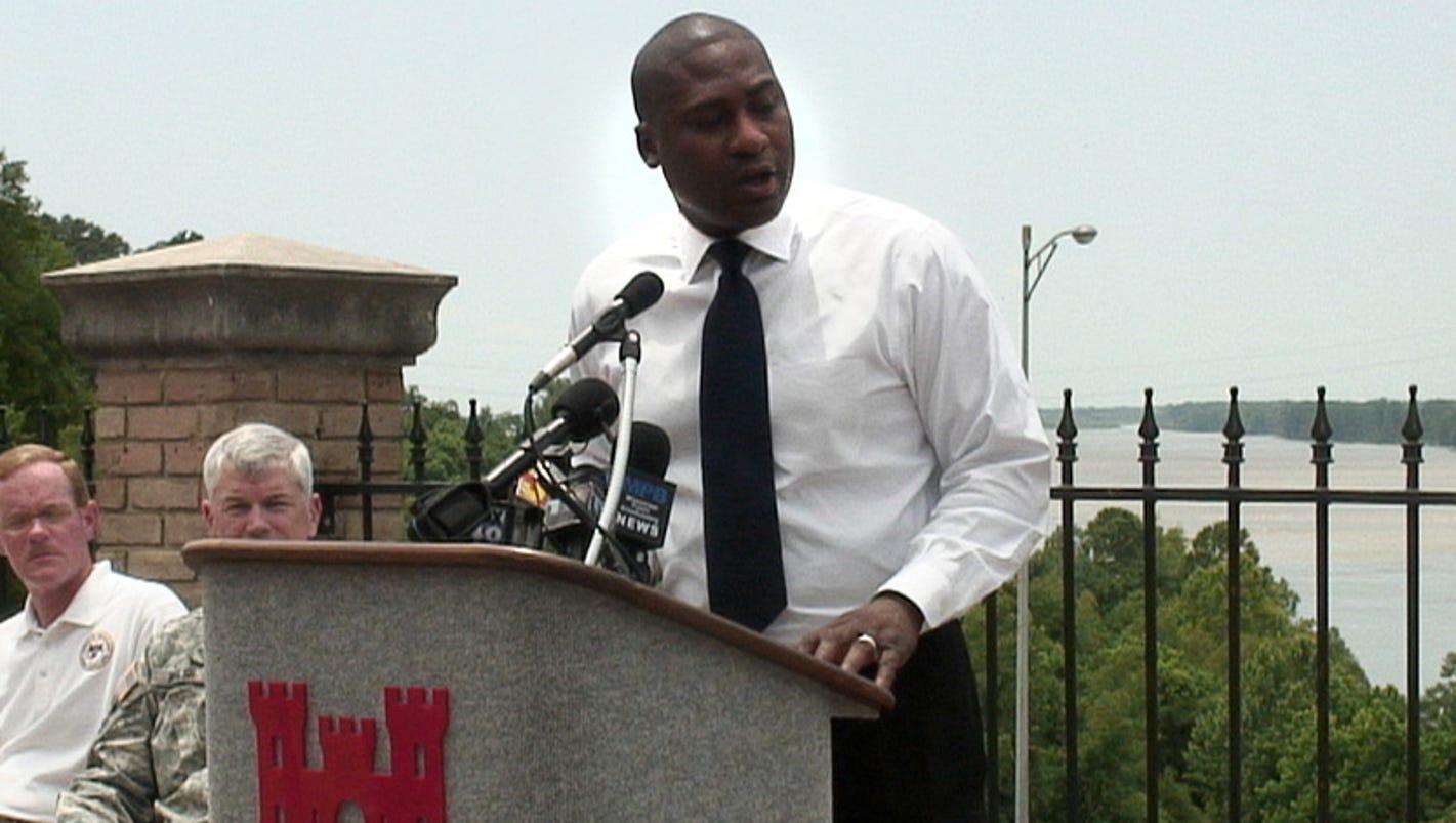 Ex-Vicksburg mayor Paul Winfield seeks to have his bribery guilty plea thrown out