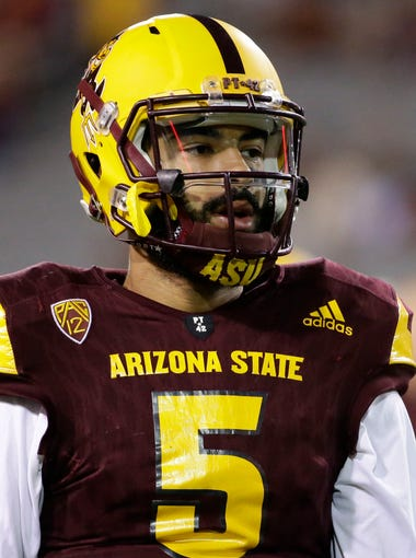 Arizona State Manny Wilkins prepares to play USC during PAC-12 action on Oct. 28, 2017  in Tempe, Ariz.