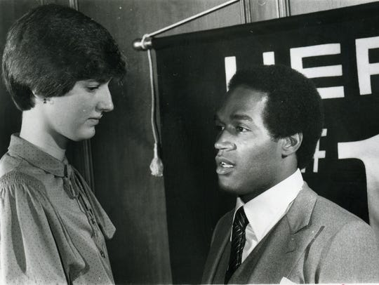 Anne Donovan of paramus Catholic talking with OJ Simpson