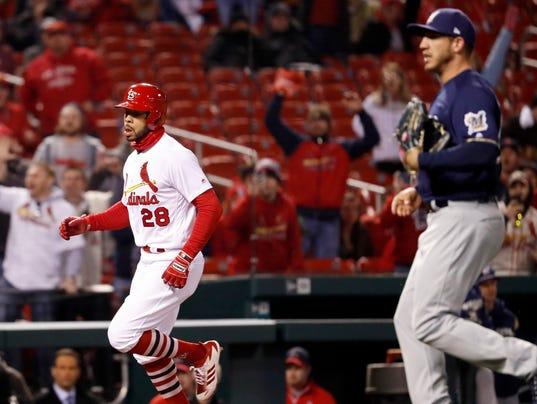 636590051634612966-AP-Brewers-Cardinals-Baseball.4.jpg