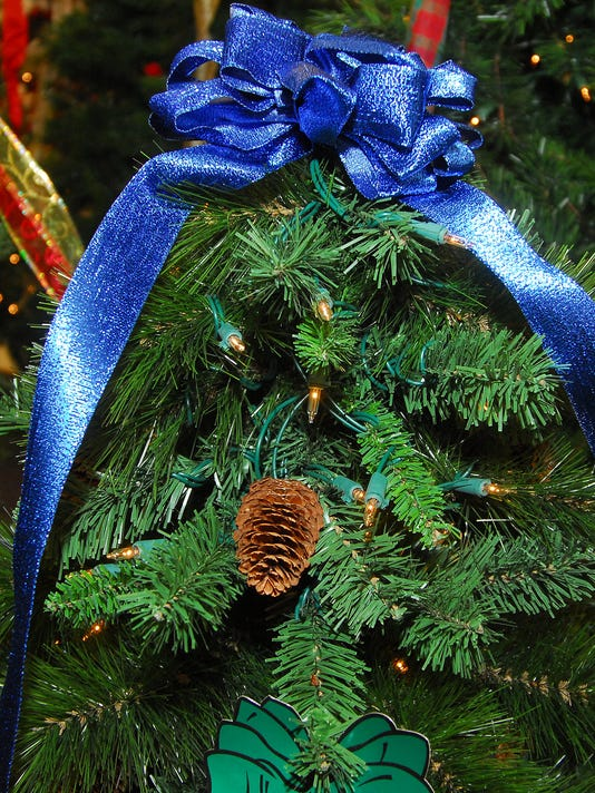 635864826317527019-christmas-tree.jpg