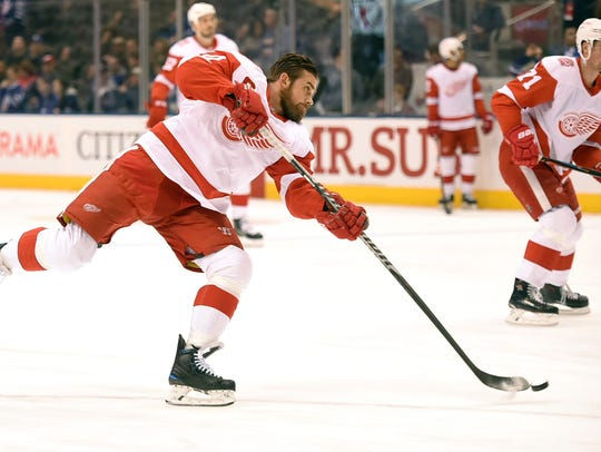 Detroit Red Wings forward Henrik Zetterberg shoots