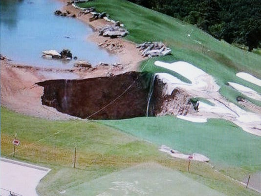 sinkhole at Top of the Rock (1).JPG
