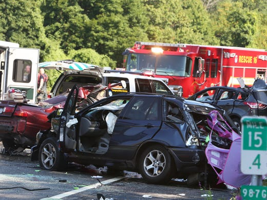 3 people killed in 4 car crash on taconic parkway in yorktown - Car accident garden state parkway ...