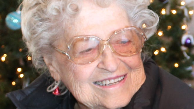 Eleanor Ruth (Redd) Arnold, 89, passed away peacefully on July 28, 2014 under the care of Pathways Hospice.